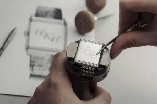 500 Nicholas Hoult Personalised Engraving Reverso @alexteuscher 2