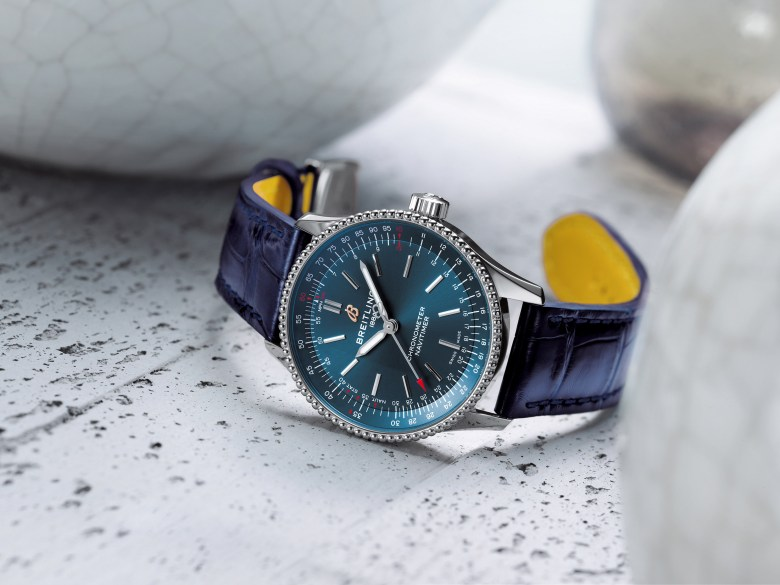 02 Navitimer Automatic 35 With A Blue Dial And A Blue Alligator Leather Strap 1 1024x768