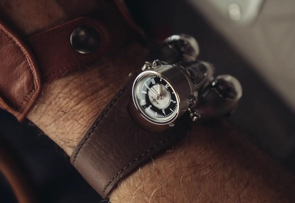 HM9 Road Edition Wrist Shot3 Lres