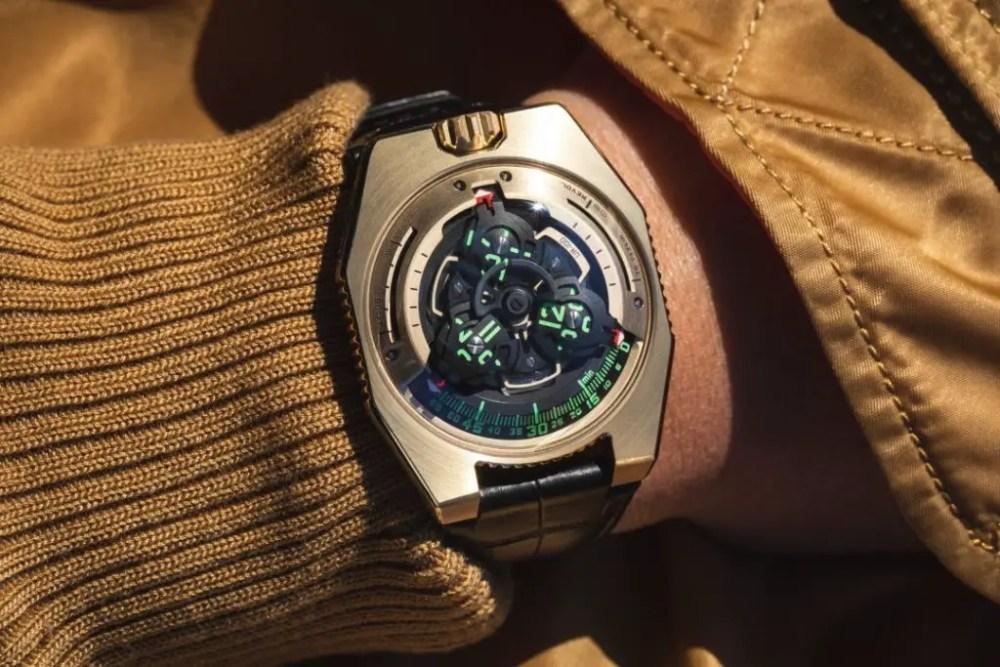 new URWERK UR-100 GOLD