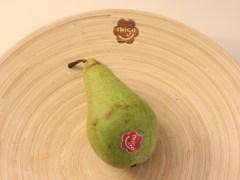 Meneer eet een peer
