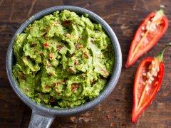 Houdt een pit je guacamole groen? Een experiment in 28 minuten.