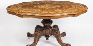 Amankah Menggunakan Meja Antik?