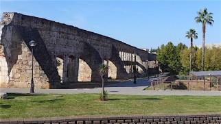 Roman aqueduct, Mérida