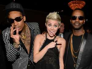 Miley-Wiz-Khalifa