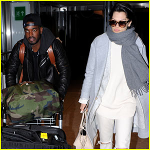 jessie-js-boyfriend-luke-james-does-the-heavy-airport-lifting