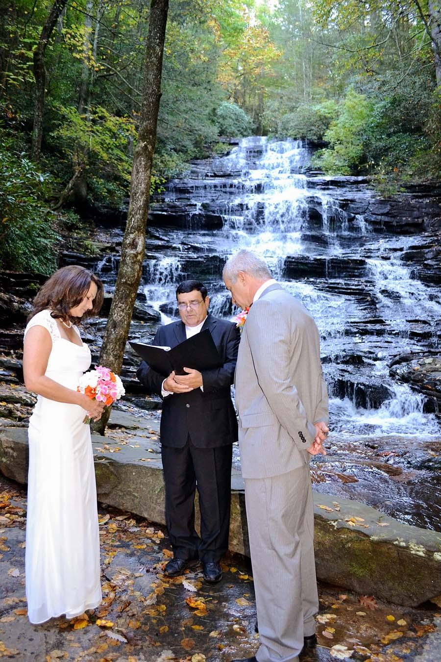 Minnehaha Falls | Minnehaha Falls Waterfall Wedding Location