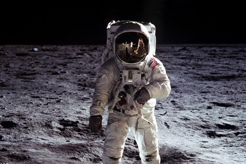 space suit (1200x800)