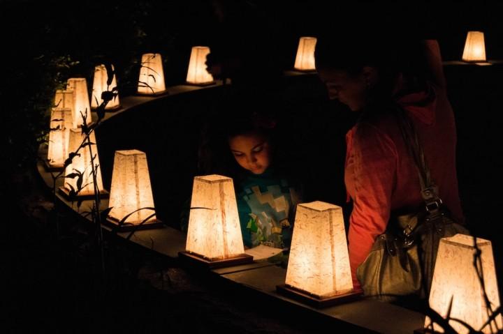 Luminaria Lanterns at the WWII Memorial, photo by Jennifer Bedford.