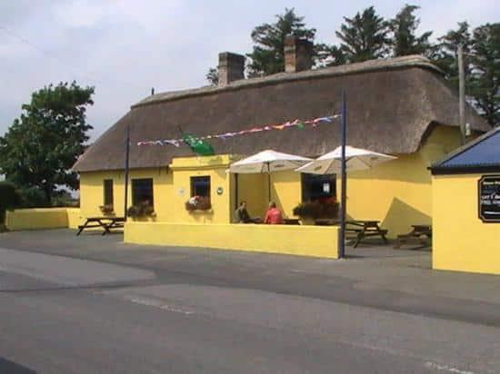 Place Aggie Hayes Pub Exterior