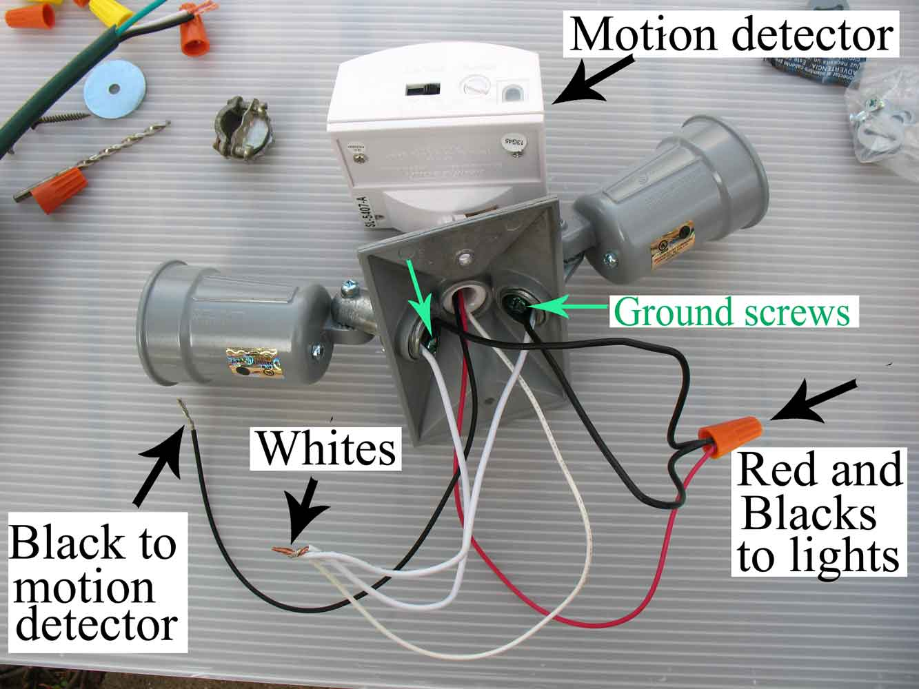 IMG_0014 Motion detector?resize=665%2C499 motion sensor flood light wiring diagram wiring diagram Motion Sensing Light Schematic at gsmx.co