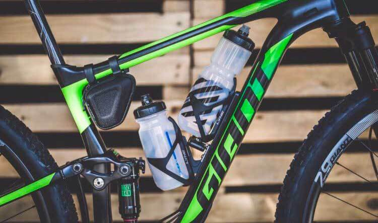 bike with bottle cage