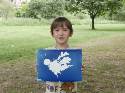One happy workshop participant with his amazing bumblebee print!