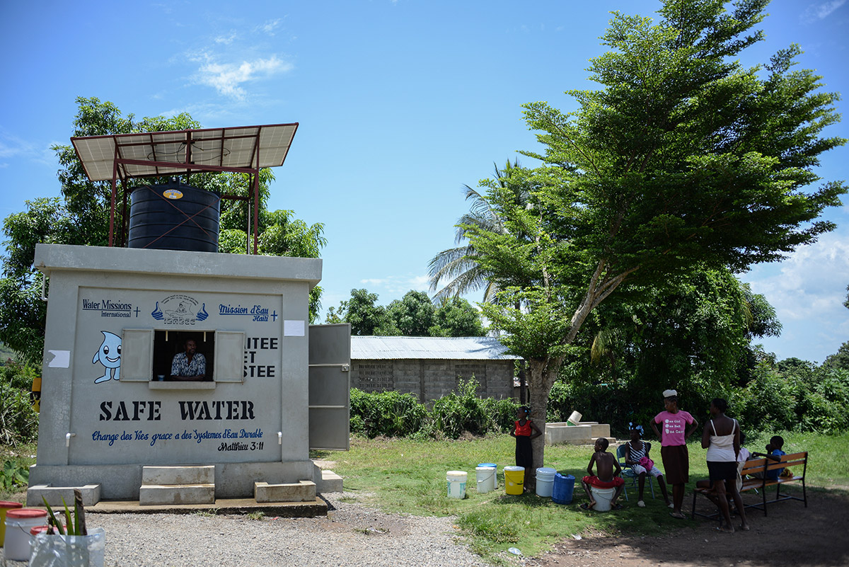 Safe water system and storage in Haiti