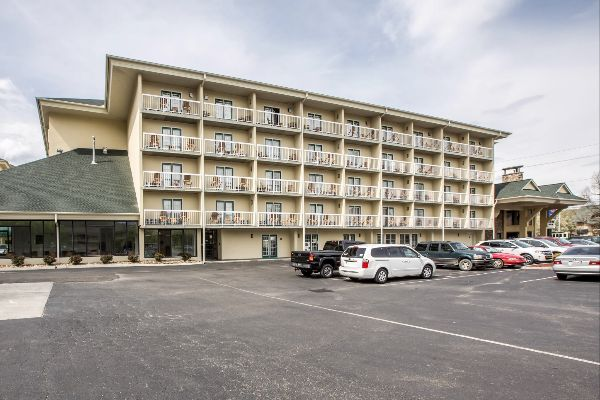 Hotels Near Dixie Stampede In Pigeon Forge