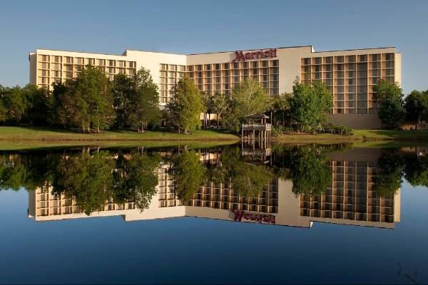 View of the Marriott Airport Orlando Lakeside from lake Michelle 600