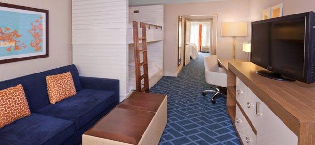 Sheraton Lake Beuna Vista Family Suite with Bunk Beds wide