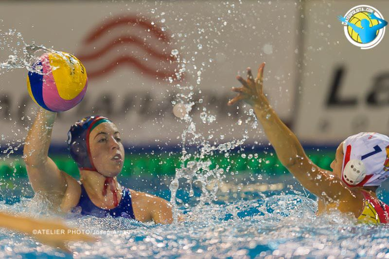 Un lance del partido de La Sirena CN Mataró ante el Padova / JOSEP ARNAU (ATELIER PHOTO)