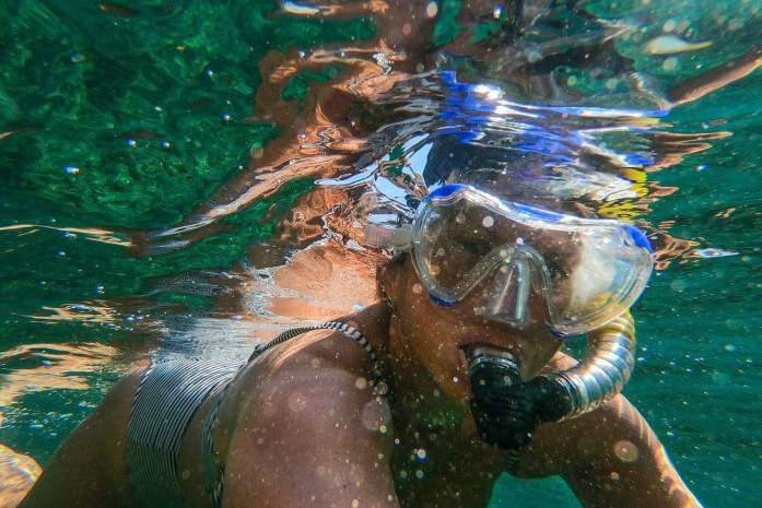 how do dry snorkels work