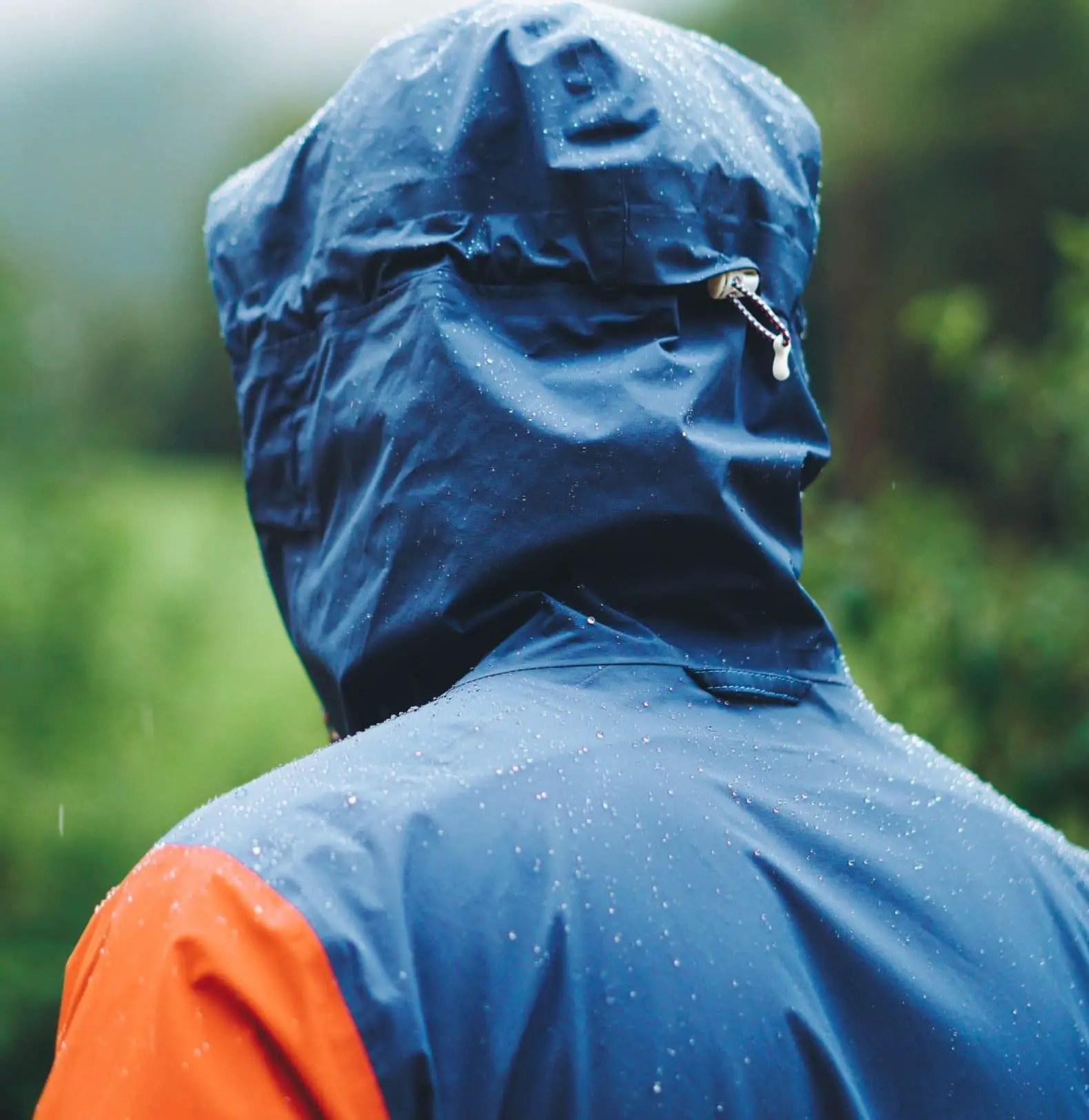how does rain gear work