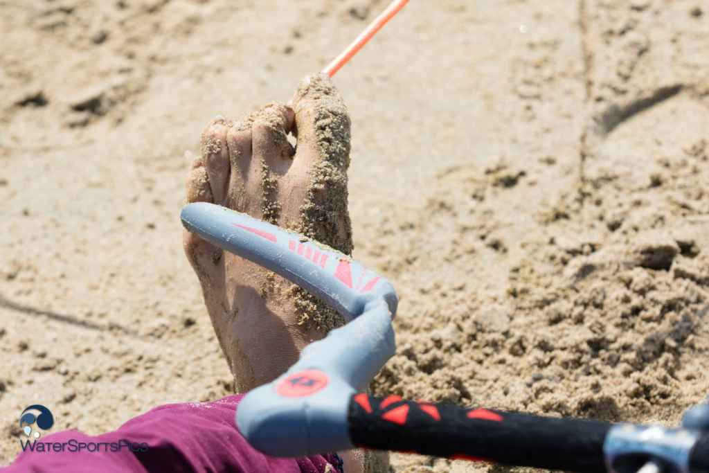 keep the kite in the air with your toes at Kiteboardopen at KSN, Noordwijk on 14 May 2016