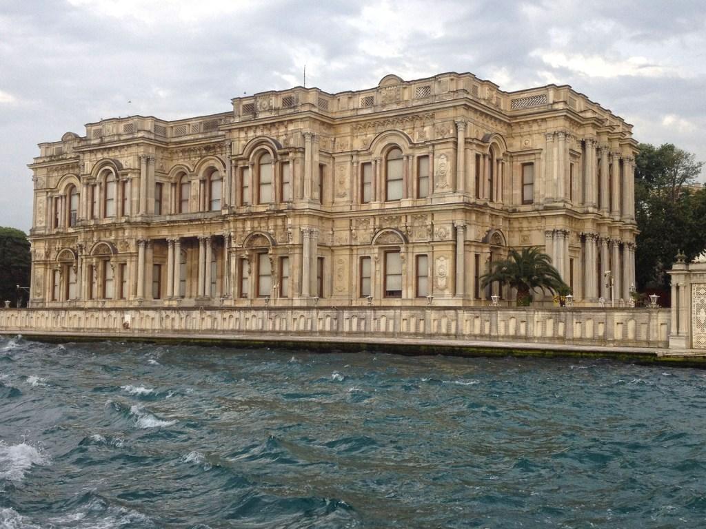 Istanbul, Turquie, palais sur le Bosphore