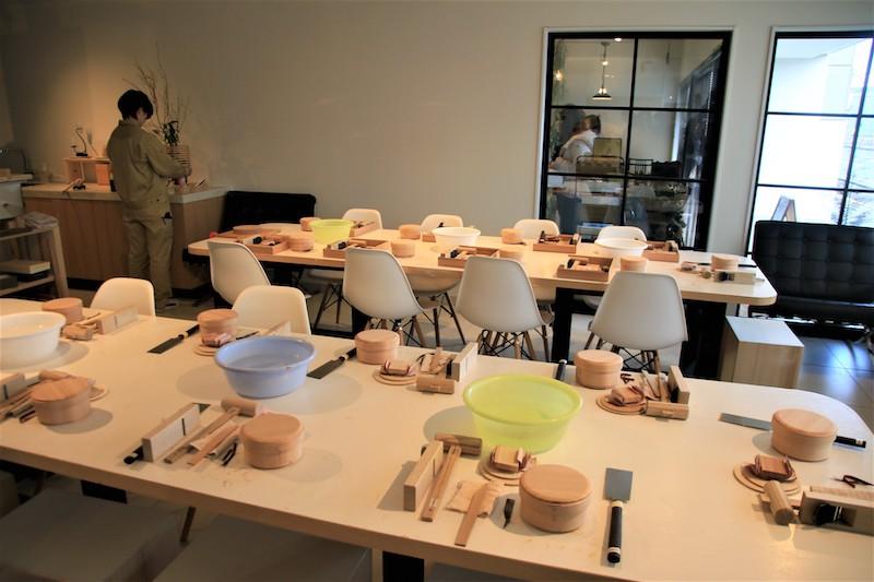 「柴田慶信商店わっぱビルヂング(WAPPA BUILDING)店」,就可以體驗製作圓形便當盒或是麵包餐盤