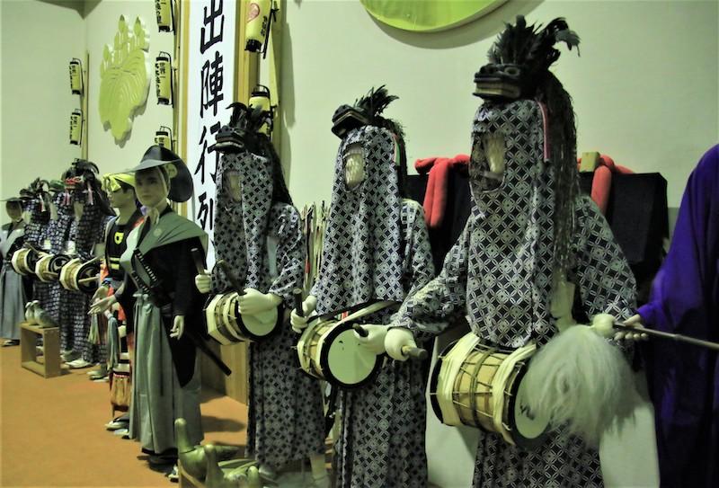 館內也展示參加祭典時大太鼓列陣巡街時會穿的服飾