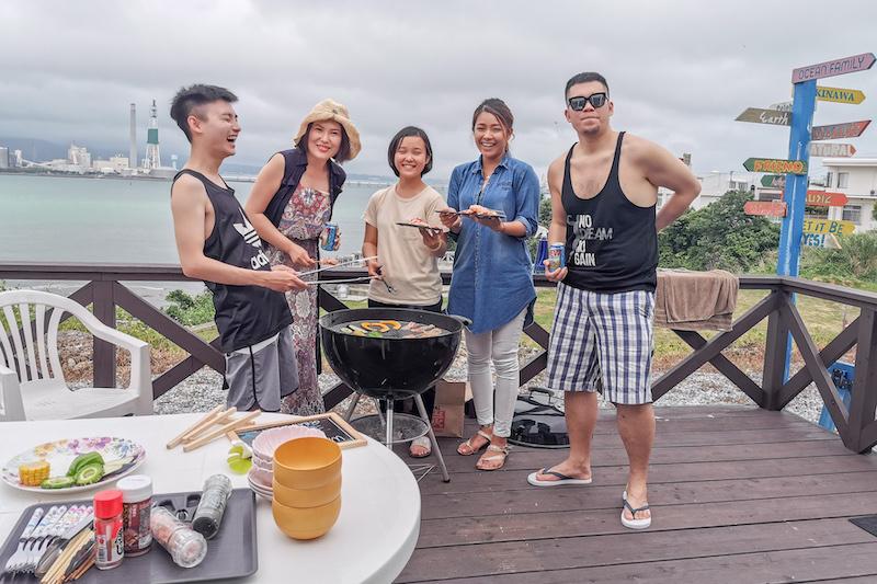 潛水完後和親朋好友一起享受美食(海洋家族行程)