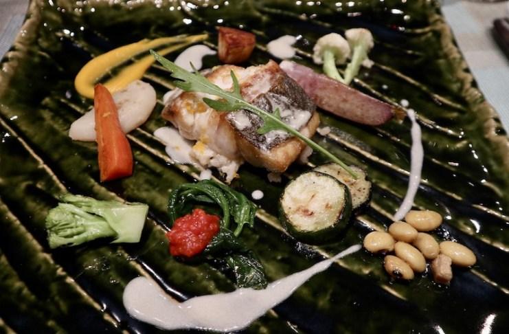 採訪時飯店提供西式套餐的魚料理,不但豐盛且擺盤講究