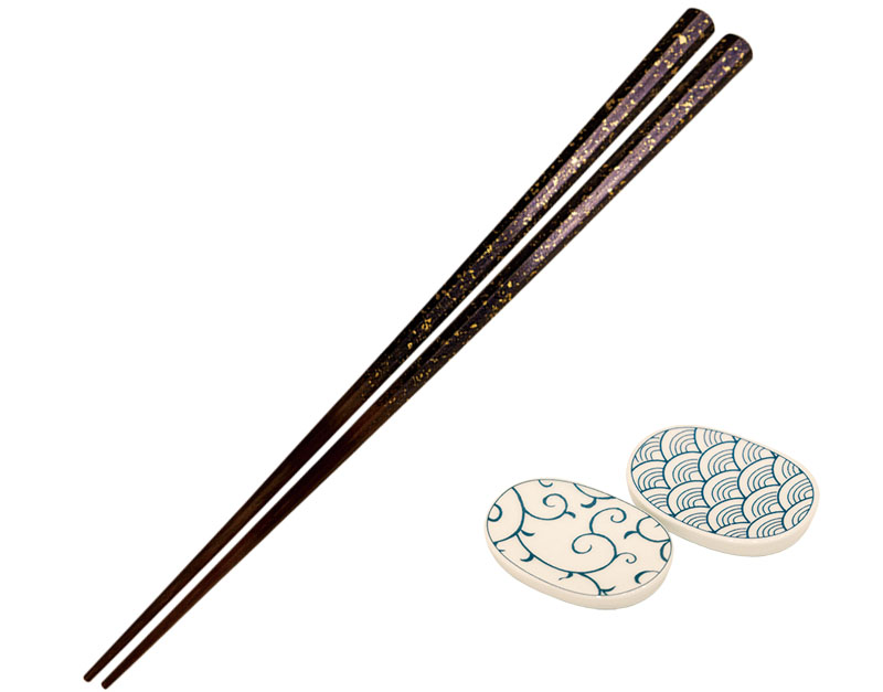 Chopsticks and chopstick rests from all over Japan are available here.