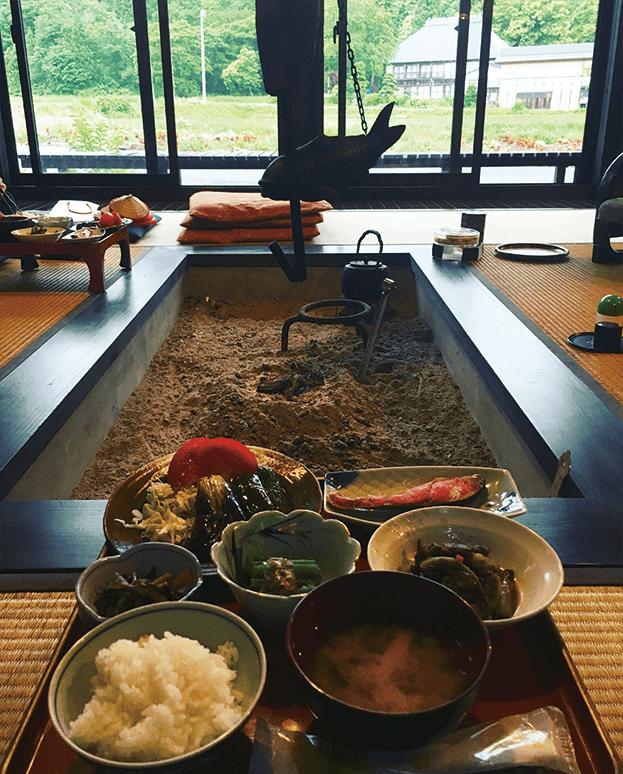 irori-central-hearth-in-traditional-japanese-minshuku