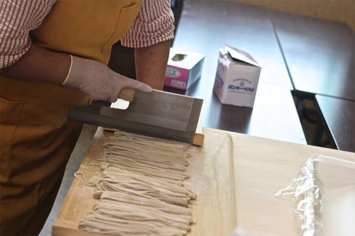 Making soba