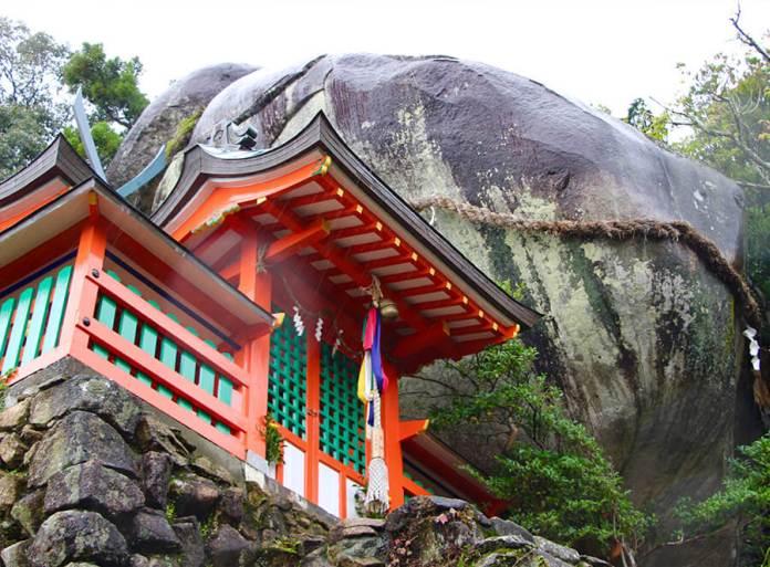 Gotobiki sacred rock watching over the Kumano region.