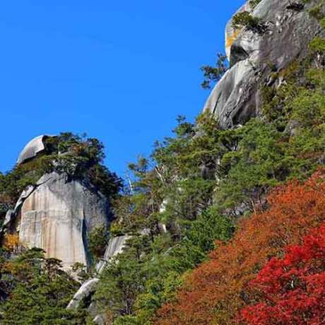 Shosenkyo Gorge Complete immersion with nature