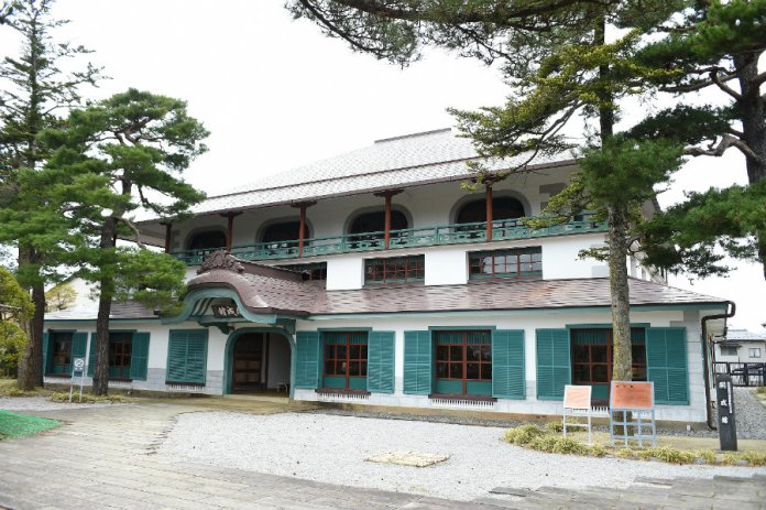 kaiseikan - district office building
