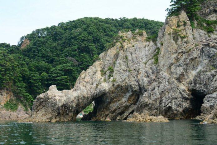 sasagawa nagare unique rocks and reefs