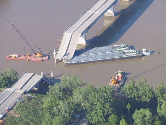 Collapsed I−40 Bridge, near Webbers Falls, Sequoyah County, Oklahoma — in May 2002.