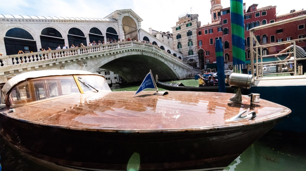 Venice on a budget: avoid water taxis