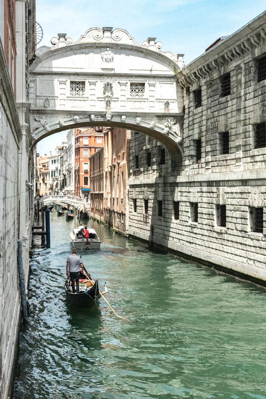 Venice on a budget: Bridge of Sighs
