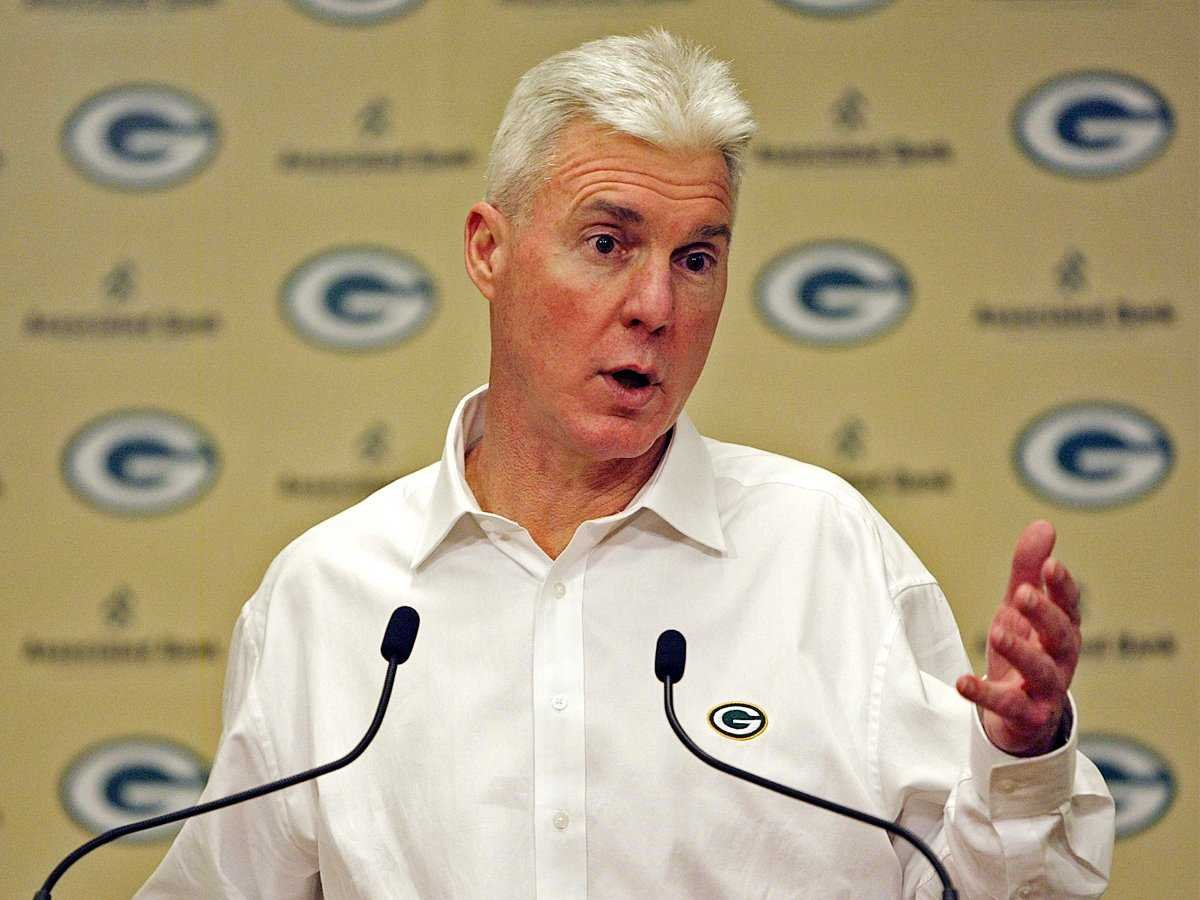 Former Green Bay Packers GM Ted Thompson dead at 68 ...