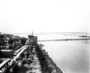 Floridian Hotel under construction. MacArthur causeway in the background ,1925.