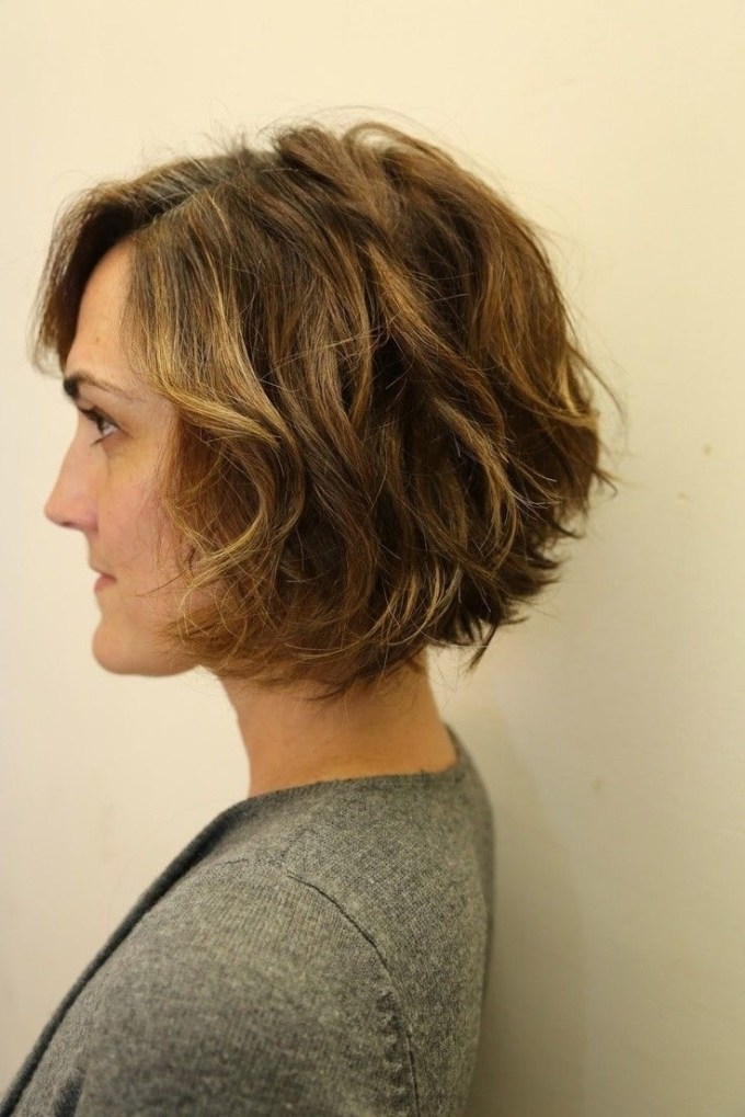 12 Stylish Bob Hairstyles For Wavy Hair | Hair Styles | Pinterest for Short Haircuts For Wavy Hair Back View