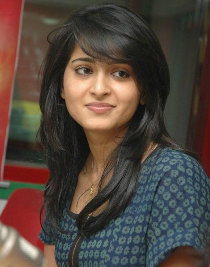haircut for thin hair indian female - wavy haircut
