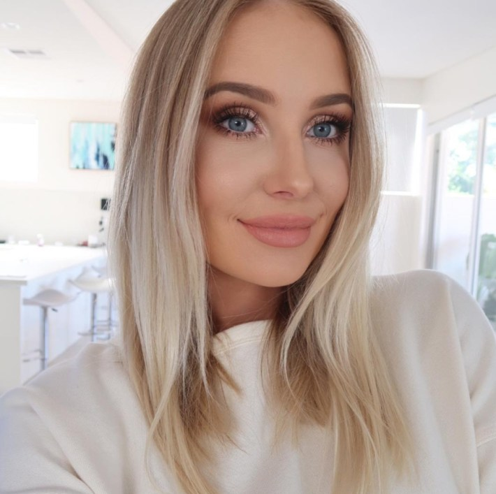 Makeup For Blue Eyes: 5 Eyeshadow Colors To Make Baby Blues Pop with What Color Eyeshadow For Blue Eyes And Dirty Blonde Hair