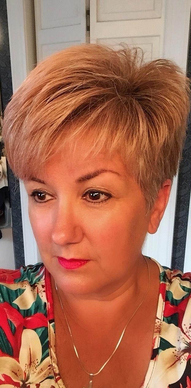 short haircuts for women with hair loss - wavy haircut