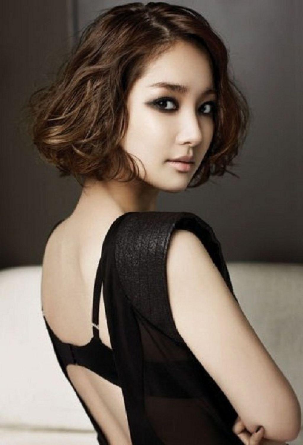 top-drawer asian short wavy hairstyles - wavy haircut