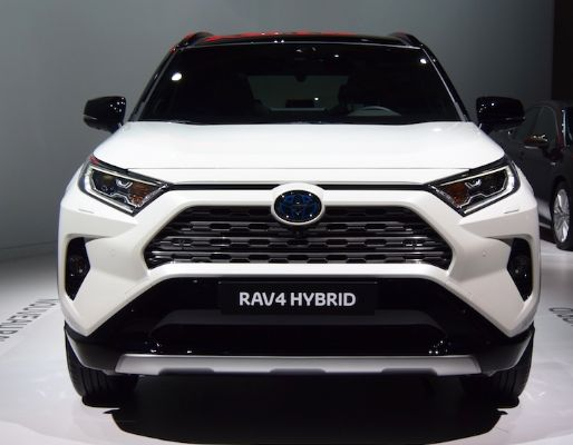 RAV4(XA50) 日本でも復活の5代目SUV【最新情報】