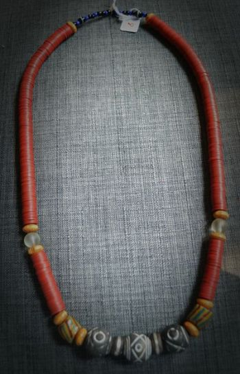 Burkina-Faso necklace made of kofi pearls and terra-cotta