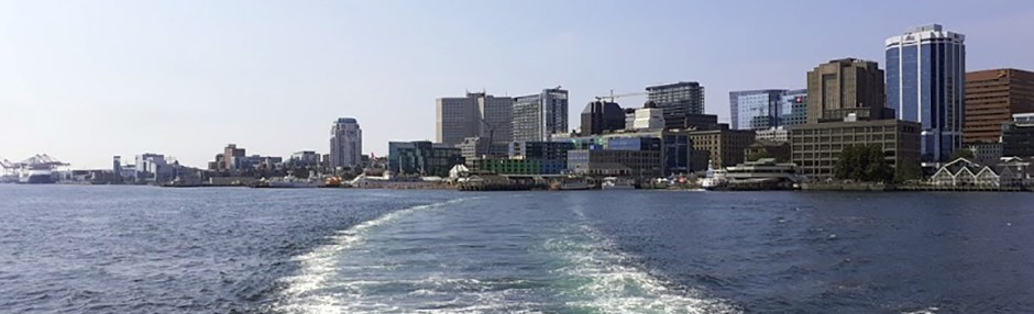 Picture of harbour from Dartmouth bound ferry.